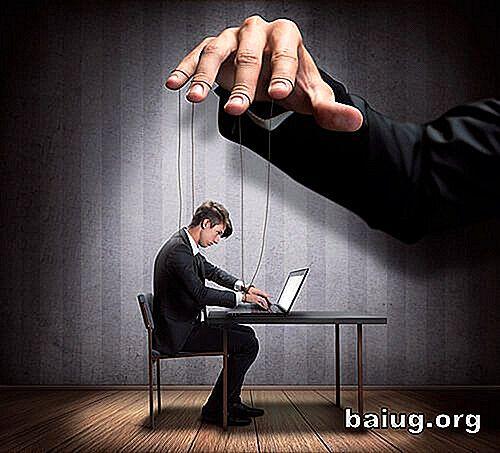 Quotidiani di regime e servaggio giornalistico