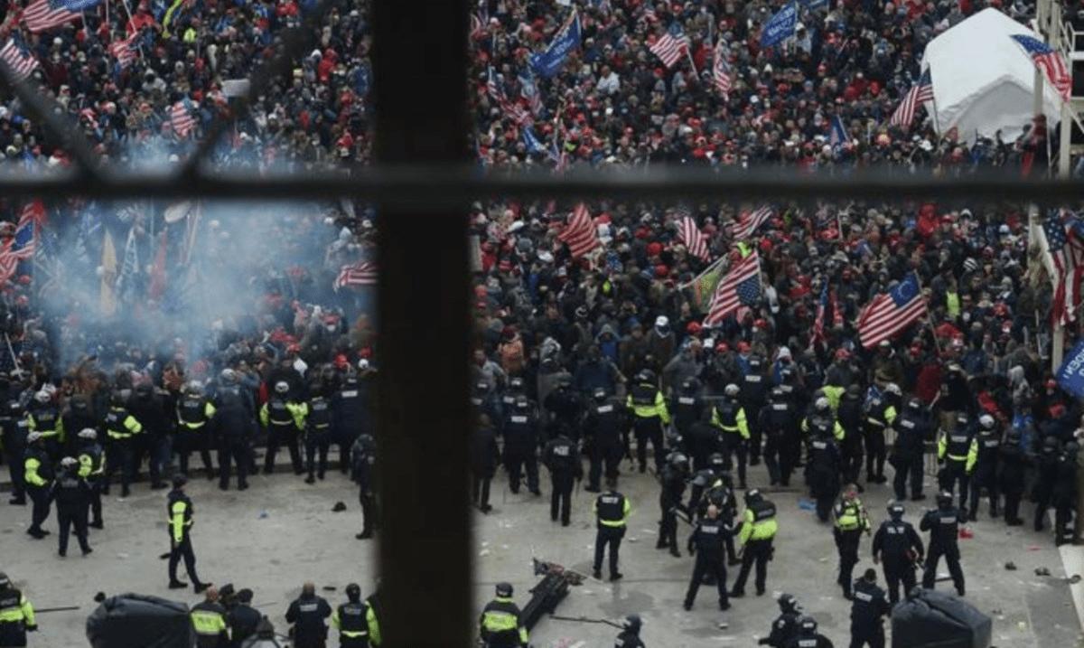USA: manifestanti Pro-Trump stanno tentando di occupare il Campidoglio