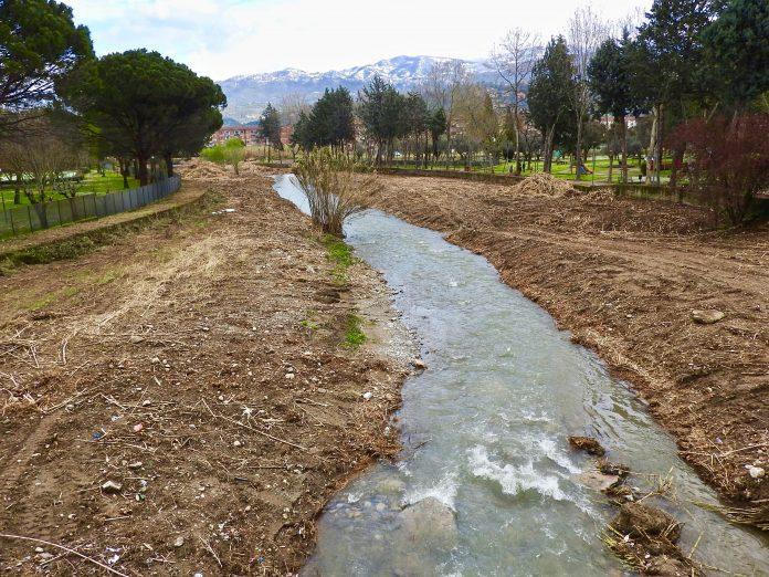 Cosenza/Rende, interventi meccanici lungo il Torrente Campagnano: protestano gli ambientalisti