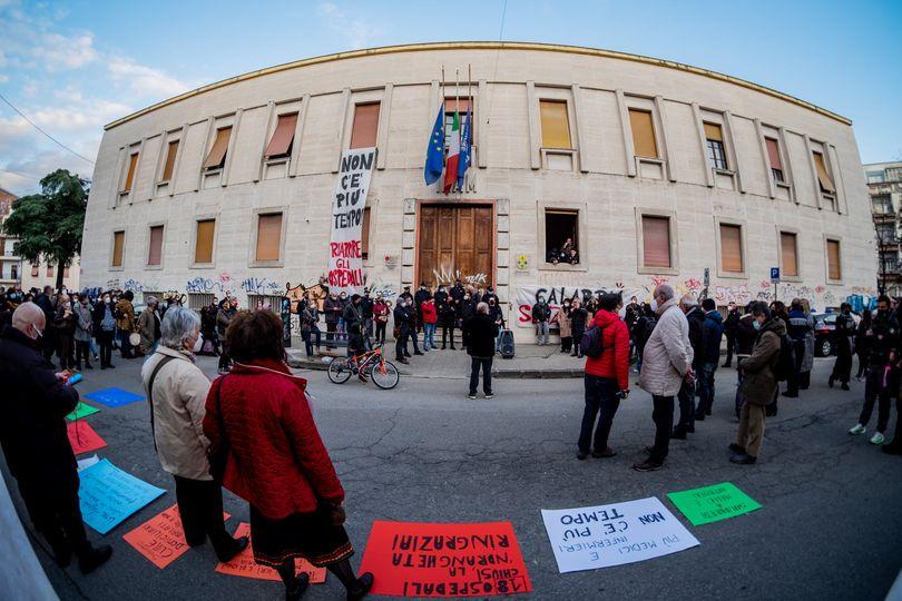 """Cosenza, FEM.IN: """"Siamo la Calabria che non si arrende, vogliamo diritti e dignità!"""""""