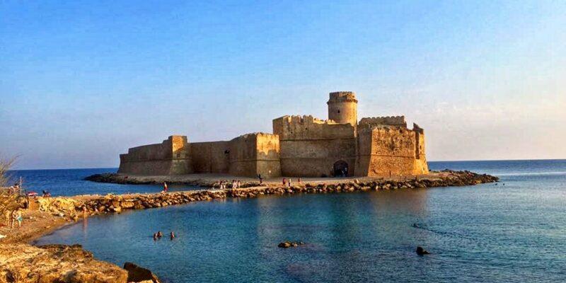 Il Castello Aragonese di Le Castella: una fortezza sul Mare (di Chiara Gagliardi)