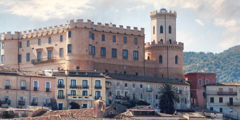 Corigliano-Rossano. Il Castello normanno di Corigliano: l'anima del borgo (di Chiara Gagliardi)