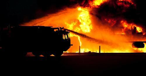 Gli incendi causano un aumento di contagi e di decessi da Covid-19