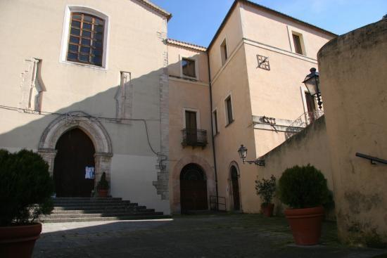 il Museo dei Brettii e degli Enotri: storia e curiosità (di Chiara Gagliardi)