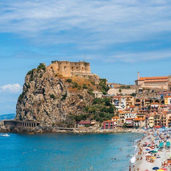 Castello Ruffo di Scilla: La Fortezza che osserva la Sicilia (di Chiara Gagliardi)
